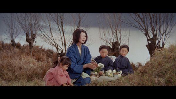 top-10-bo-phim-kinh-di-hay-cho-khan-gia-ngam-hinh-anh-cuc-dep-mat 9