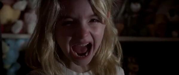 Amityville: The Awakening tung trailer rùng rợn hơn cả IT (11)