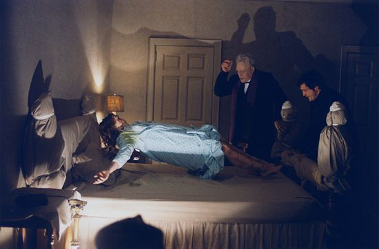 Top 10 phim kinh dị Mỹ có doanh thu cao ngất ngưởng (8)