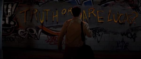 """Truth or Dare tung trailer hé lộ những cảnh quay vô cùng """"gắt"""" (2)"""